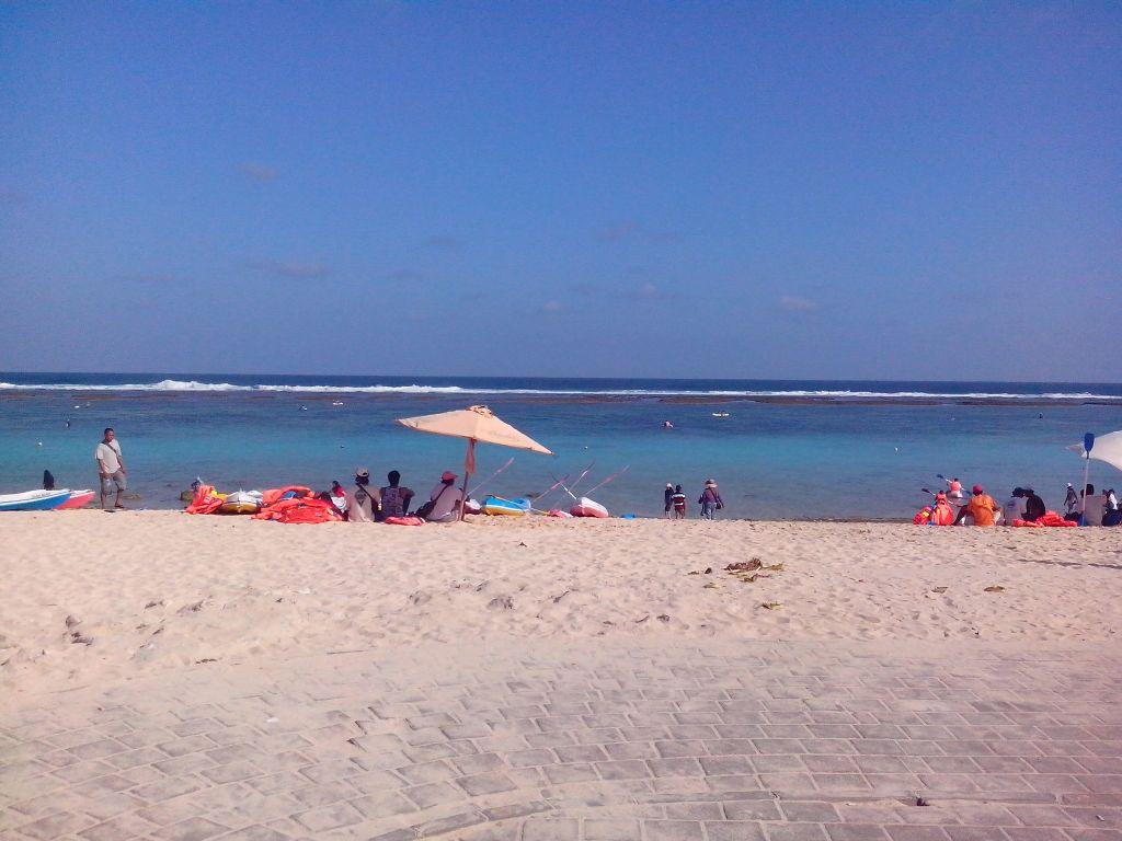 Pantai Pandawa Sumber : Dok. Pribadi