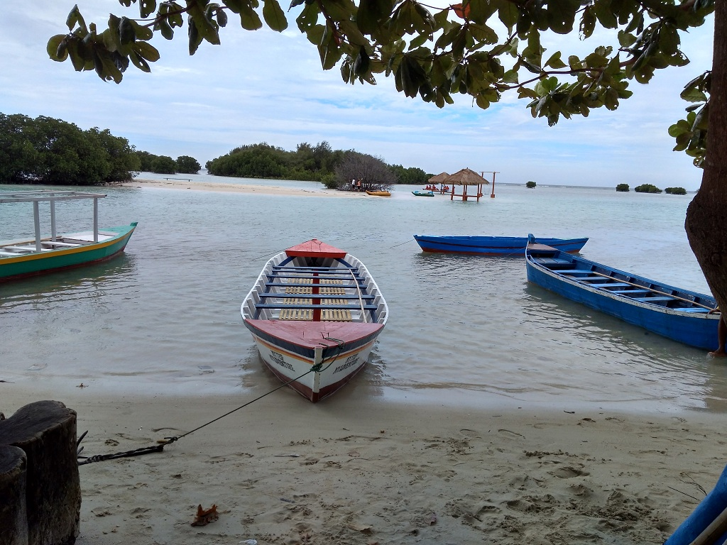 Tempat Me Time Saya di Pantai Perawan